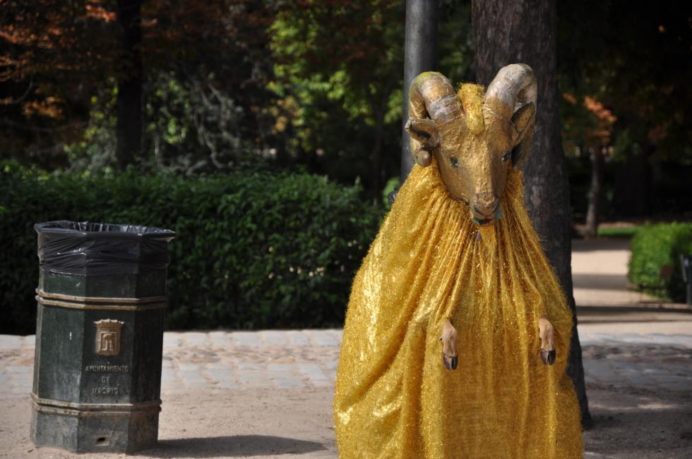 Golden ram - street artist
