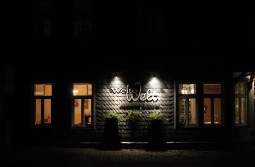 """Restaurant """"Weite Welt"""" in Goslar at night"""