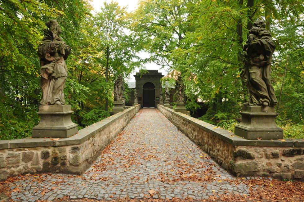 Bridge to Hrad Valdštejn