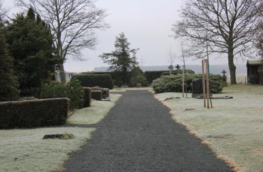 Primary way on small German graveyard