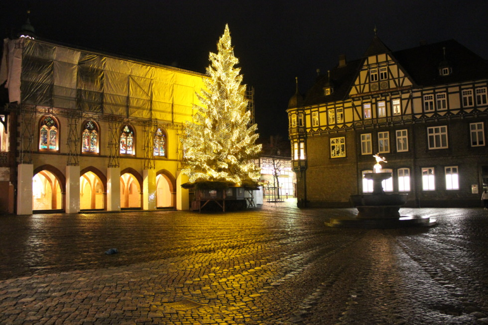 Christmas tree on Goslar's marketplace