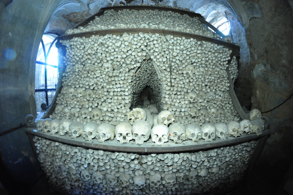 Bell built of skulls in Kutná Hora