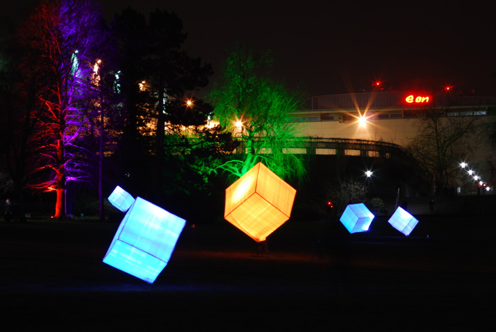 Lit-up cubes at Parkleuchten in Gruga Park