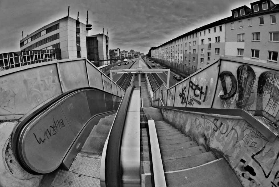 Escalator down to subway station ETEC-Savigny-Street