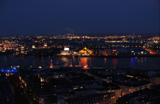 Hamburg's haven at night