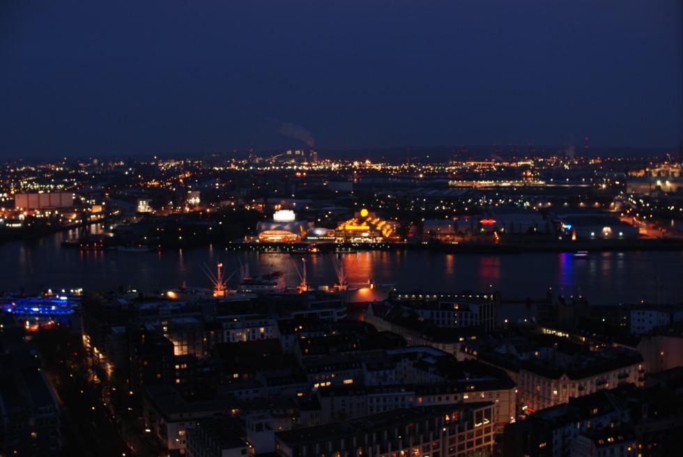 Hamburg's haven at night