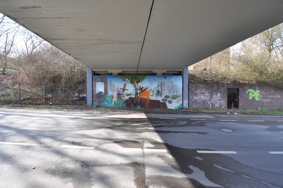 Graffiti below bridge in Essen