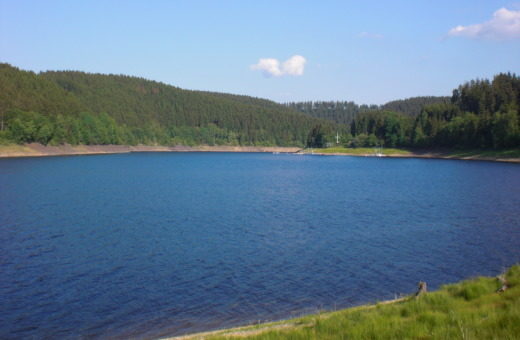 Blue water in Okerstausee reservoir