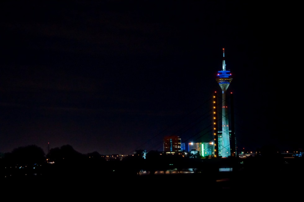 Düsseldorf's television tower at night