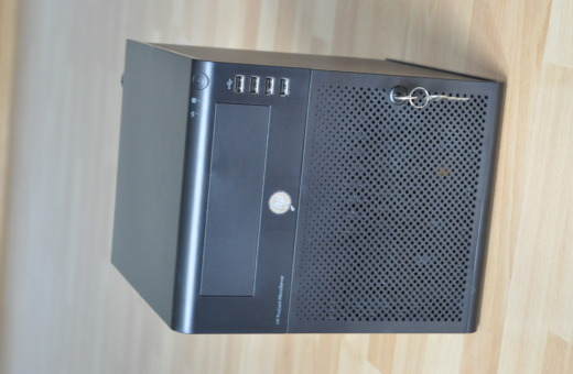 HP N54L Homeserver
