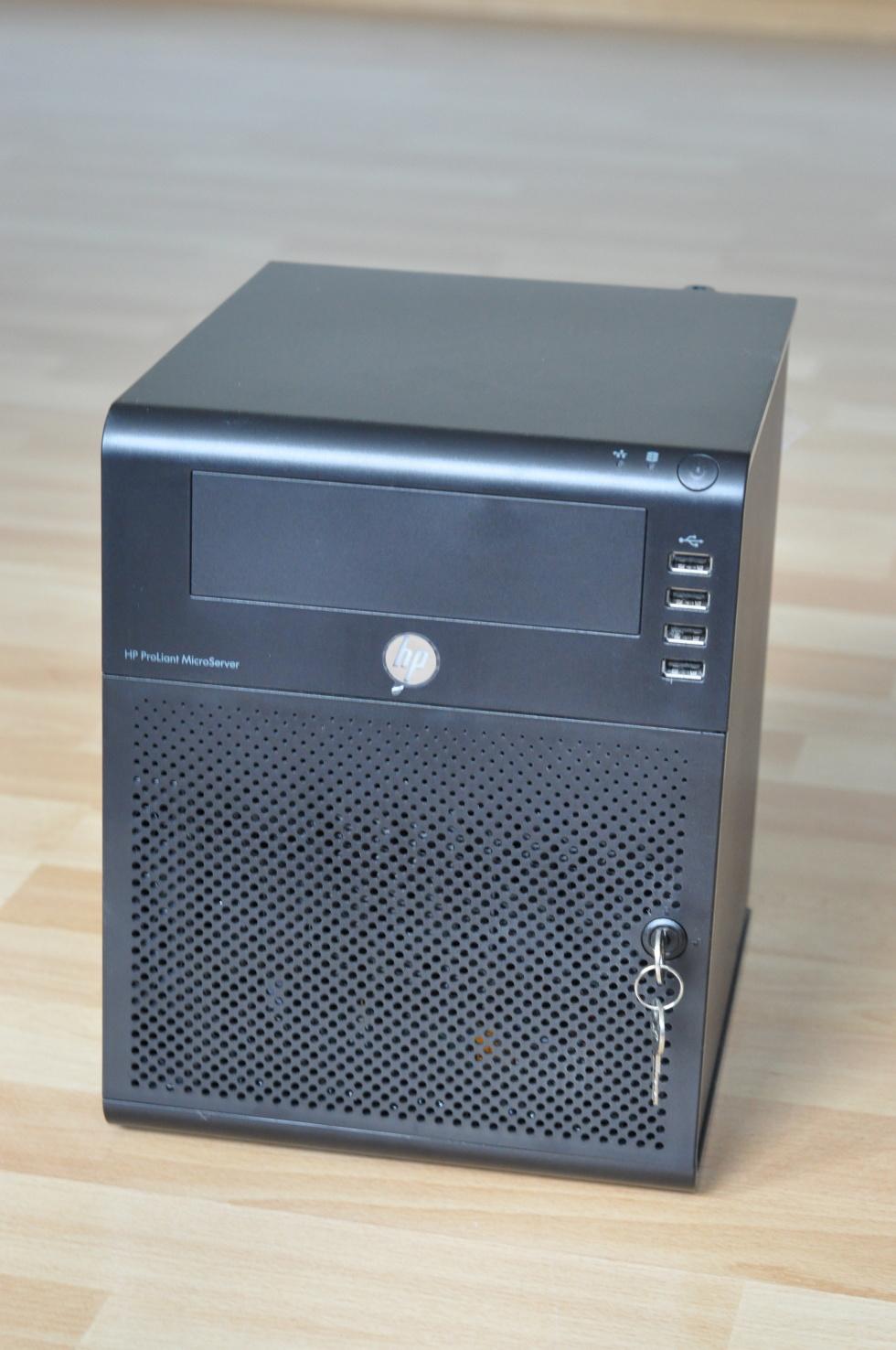 HP N54L Homeserver