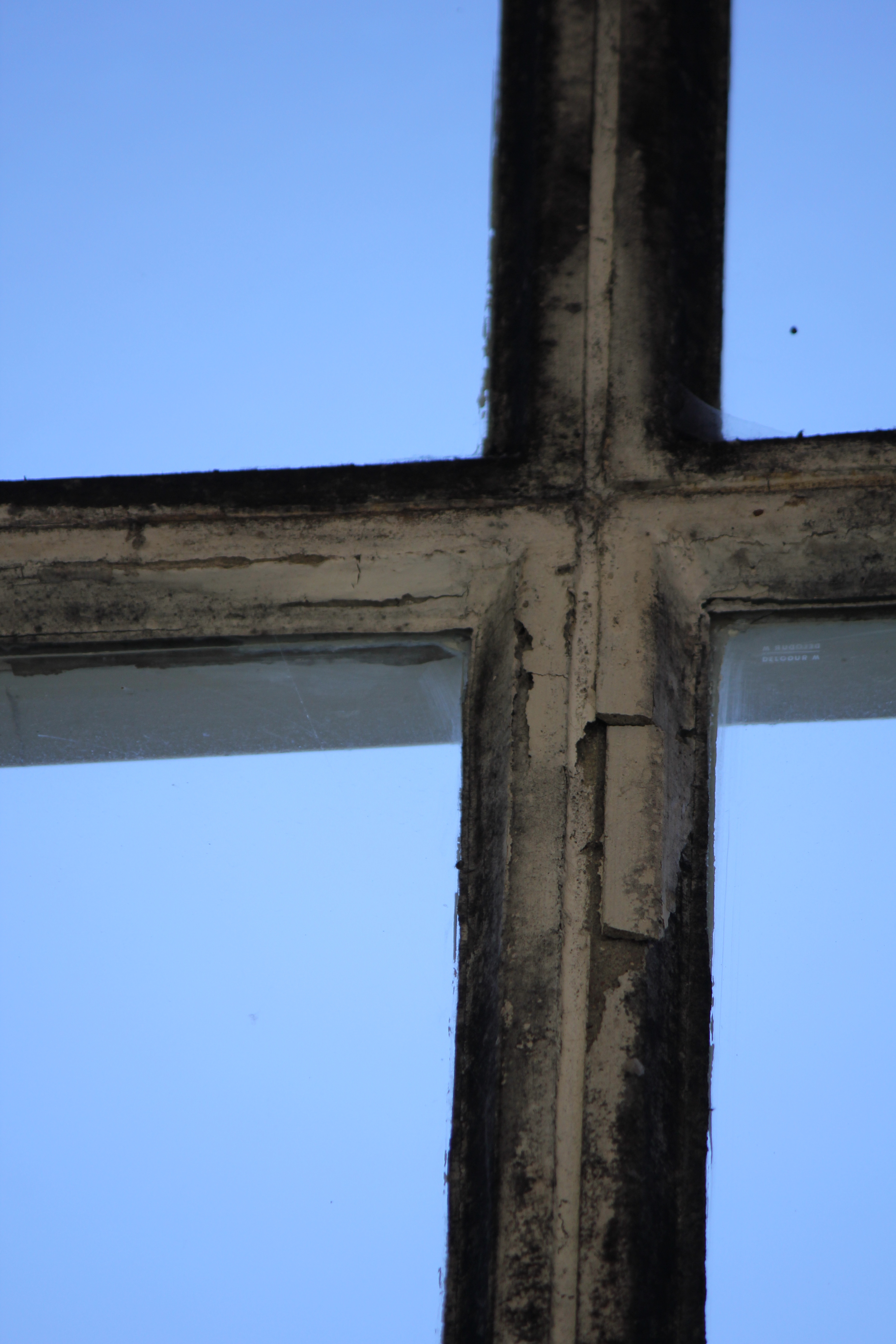 Cross Build Of Mullion And Transom Of A Window Cc0 Photo