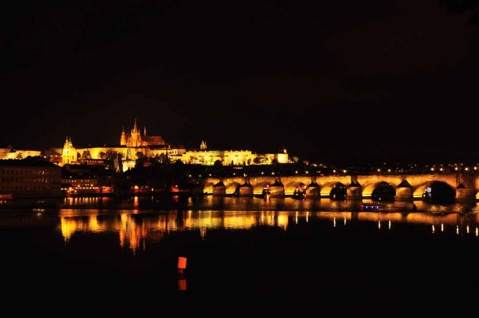 Charles bridge and Prague castle at night