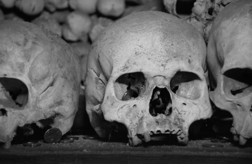 Skulls in detail at Kutná Hora