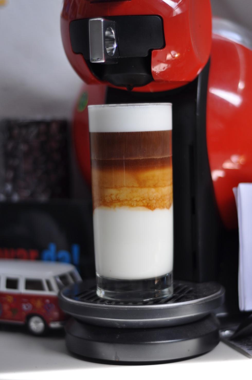 Three-layer latte macchiato