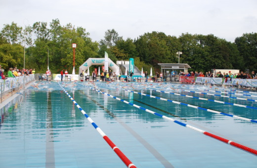 Simming pool just before the race starts