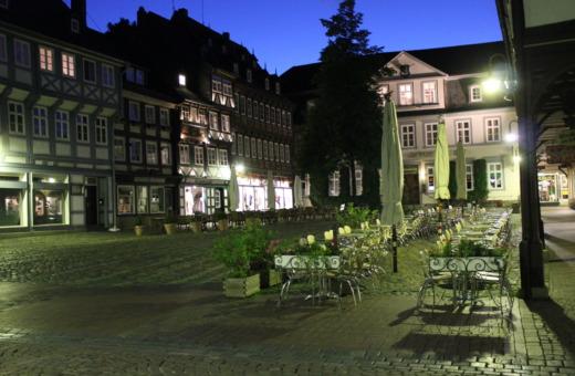 Schuhhof in Goslar at night