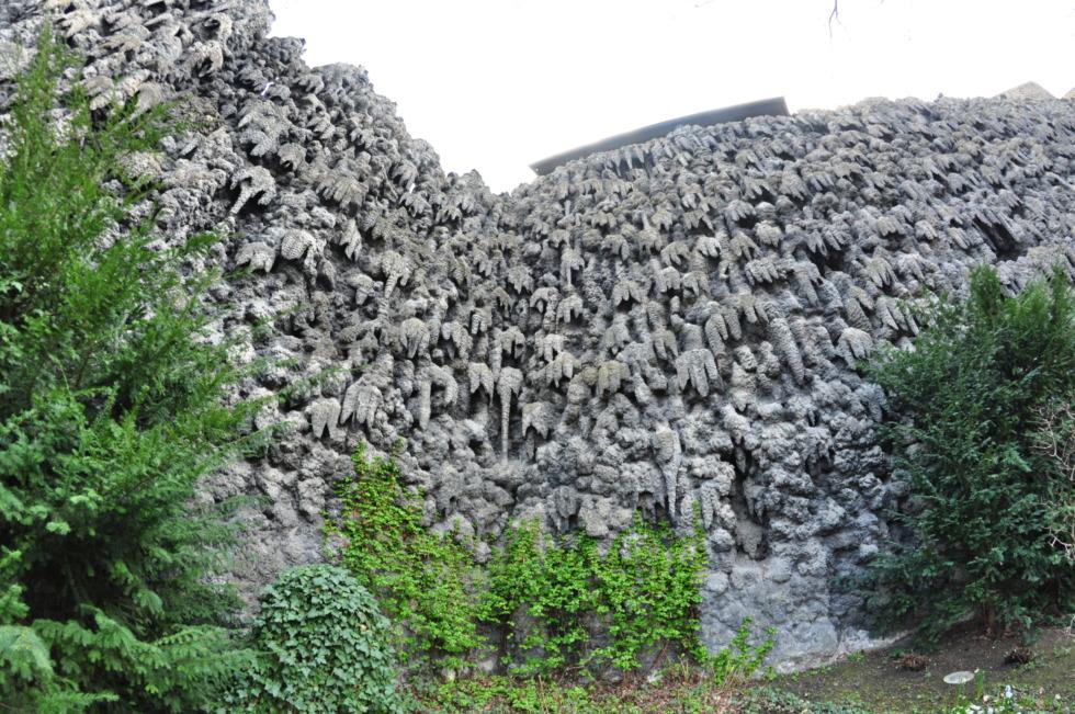 Dripstone wall in Wallenstein Palace Garden, Prague