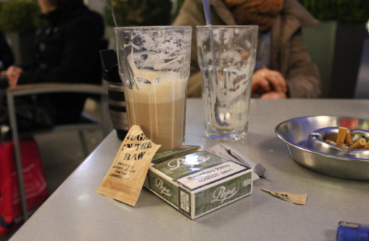 Latte macchiato, brown sugar and Pepe cigarettes