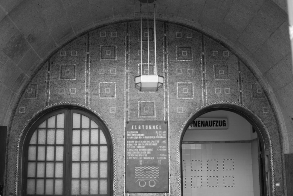 Beautiful entry to the Old Elbe Tunnel