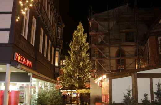 View onto the Christmas tree at Goslar's market place