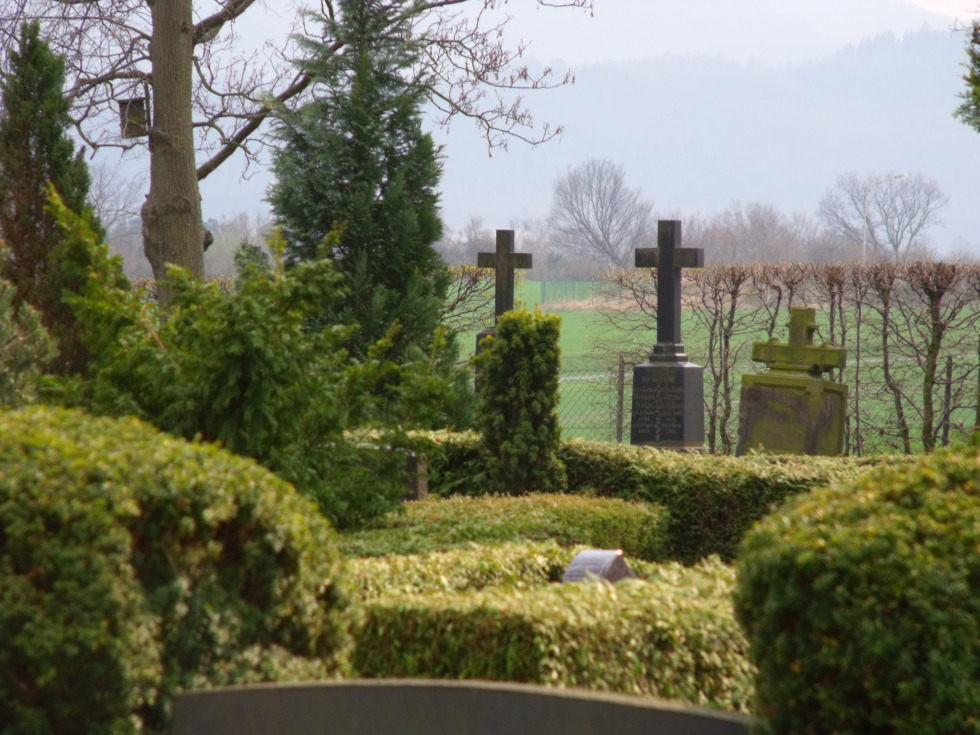 Memorial at the cemetery in Bredelem, Germany